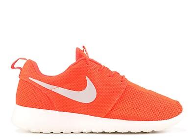 eecfc05486235 Rosherun - Nike - 511881 660 - gym red deep burgundy