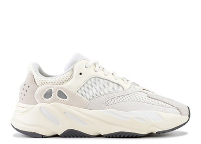 huge discount ab313 b9517 Yeezy Boost 700  Analog  ...