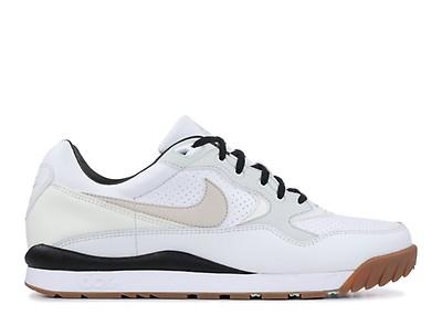 Adidas & Nike Sneaker hier günstig bestellen!