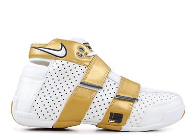 3daf20b4976f3 Nike Zoom LeBron Soldier