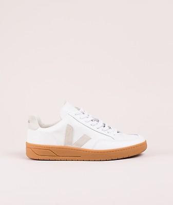 ddc4758f803bca VEJA V-10 Leather Sneaker extra white 47625