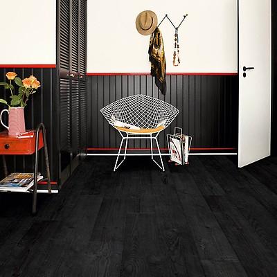 Quick Step Impressive Im1862 Burned, Matte Black Laminate Flooring