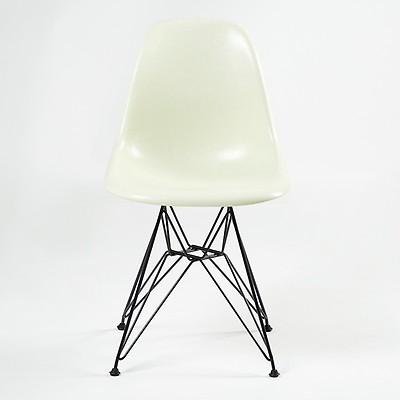 Chaise Eiffel DSR Fiberglass Coque Eames Parchment